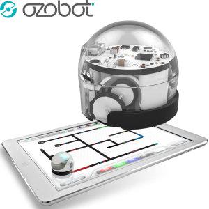L'Ozobot 2.0 Bit in bianco cristallo, il modo perfetto per introdurre i bambini all'informatica, alla robotica e alla codifica in modo divertente e fantasioso.