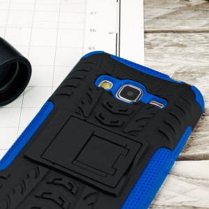 Protect your Samsung Galaxy J3 from bumps and scrapes with this blue ArmourDillo case. Comprised of an inner TPU case and an outer impact-resistant exoskeleton, with a built-in viewing stand.