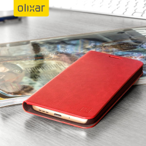 The Olixar leather-style LG G5 Wallet Case in red provides enclosed protection and can also be used to hold your credit cards. The case also transforms into a viewing stand for added convenience.