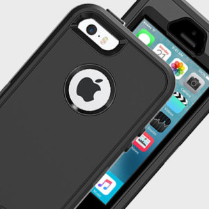 Featuring a triple layered design including a built-in screen protector, this black Otterbox Defender case for the iPhone SE offers unrivaled protection.