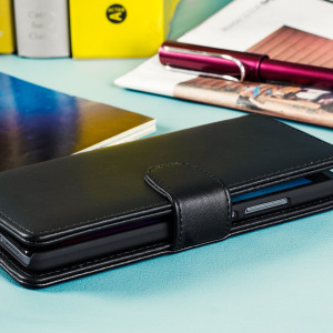 A sophisticated lightweight black genuine leather case with a magnetic fastener. The Olixar Premium genuine leather wallet case offers perfect protection for your Huawei Honor GR5, as well as featuring slots for your cards, cash and documents.