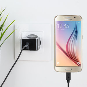 Charge your Samsung Galaxy S6 and any other USB device quickly and conveniently with this compatible 2.4A high power microUSB EU charging kit. Featuring an EU wall adapter and micro USB cable.