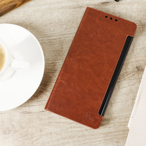 Protect your Samsung Galaxy Note 7 with this durable and stylish brown leather-style wallet case from Olixar. What's more, this case transforms into a handy stand to view media.