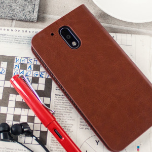The Olixar leather-style Motorola Moto G4 Plus Wallet Case in brown attaches to the back of your phone to provide enclosed protection and can also be used to hold your credit cards. So leave your regular wallet at home when you need to travel light.