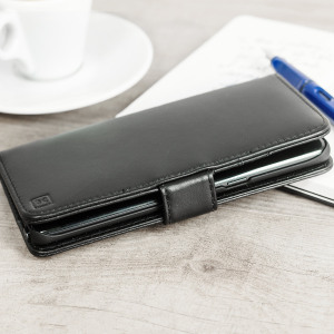 A sophisticated lightweight black genuine leather case with a magnetic fastener. The Olixar genuine leather wallet case offers perfect protection for your Samsung Galaxy Note 7, as well as featuring slots for your cards, cash and documents.