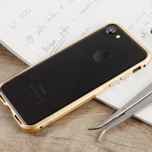 Protégez votre iPhone 7 grâce cet bumper unique de marque Luphie en aluminium or champagne. Ce bumper protège efficacement toute la bordure latérale et extérieure de votre smartphone tout en lui offrant une protection à l'avant et à l'arrière. Son design moderne et épuré est tout simplement superbe.