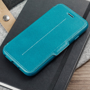 A sophisticated lightweight genuine leather case, the OtterBox wallet cover in pacific blue teal offers perfect protection for your iPhone 8 / 7, as well as featuring slots for your cards, cash and documents.