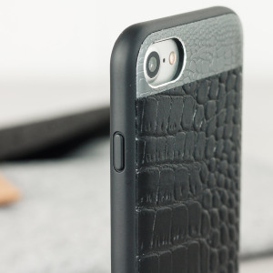 This crocodile inspired genuine leather case in black, adds a touch of sophistication to your iPhone 7, while also providing great protection.