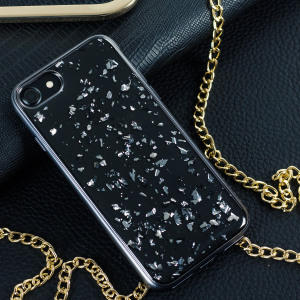 Add a touch of bling to your iPhone 7, whilst keeping it well protected with the platinum Sparkle Scene Treasure Case from Prodigee. Slim, light and incredibly attractive, this case really does have it all and is screen protector friendly.