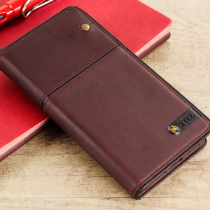 Inspired by the wine regions of Tuscany, this premium Toscano Wine case in Burgundy is crafted from genuine leather. Great for protecting your iPhone 7 from bumps and scratches, this case also features slots for your cards and documents.