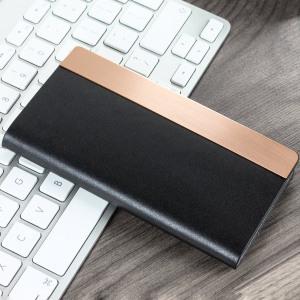 Conçue à partir d'un cuir véritable de veau et sublimée par une bordure métallique élégante, la housse SLG D5 Portefeuille en cuir est une façon efficace et sophistiquée de protéger parfaitement votre iPhone 7, elle vous permettra par ailleurs d'y ranger vos différentes cartes et également vos billets.