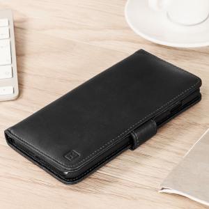 Cette housse en cuir véritable de chez Olixar est légère, sophistiquée et possède une fermeture magnétique. Elle sera une protection idéale pour votre iPhone 8 Plus / 7 Plus, qui vous permettra aussi de ranger des cartes de crédit ou de fidélité, des billets et autres documents de tailles similaires.