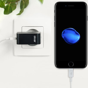 Charge your iPhone 7 and any other USB device quickly and conveniently with this compatible 2.4A high power Lightning EU charging kit. Featuring an EU wall adapter and Lightning cable.