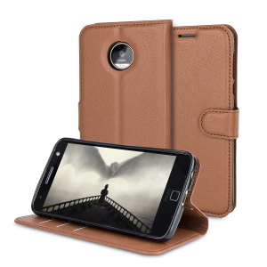 Protect your Motorola Moto Z Play with this durable and stylish brown leather-style wallet case from Olixar, featuring card slots. What's more, this case transforms into a handy stand to view media.