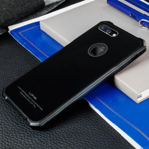 Protect your iPhone 7 Plus - front, back and sides with this unique black aluminium bumper with glass back. The bumper protects the outer edges while the tempered glass back plate protects the rear, providing a stunning finish in the process.