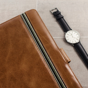 Protect your iPad Pro 9.7 inch with this Tuff-Luv brown genuine leather case with sleep/wake functionality, ensuring your Pro is kept looking pristine whilst being protected at all times.