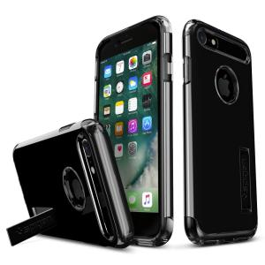 The Slim Armor case for the iPhone 8 / 7 in jet black has shock absorbing technology specifically incorporated to protect the device from impacts from any angle.