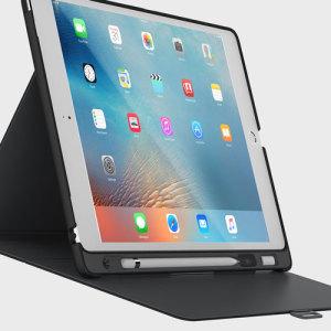 Proporcione una protección elegante y sofisticada a su iPad Pro 12.9 con la funda StyleFolio de Speck. Incorpora la completa función de soporte de visualización multimedia y un cierre de seguridad. Incluye hueco para transportar el Apple Pencil.