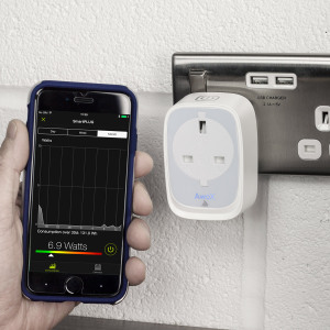 Be smart about your energy usage with the Awox SmartPLUG. View, control and program your appliances to maximise efficiency and modernise your home, all from the free companion app for iOS and Android smartphones and tablets.