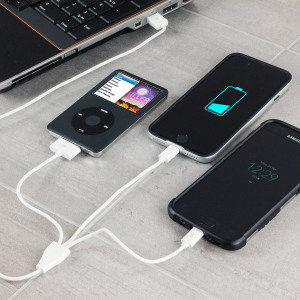 Ideal for travel, the 1 metre 3-in-1 Charging cable supports the charging of multiple mobile devices on the go. Featuring Apple 30-pin and Lightning connectors for all Apple smartphones and tablets, as well as Micro USB for the vast majority of devices.