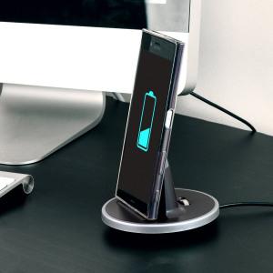Synkronisera och ladda din Sony Xperia XZ med denna stilfulla stationär docken som är även skal kompatibel och fungerar som utmärkt bordsställ.