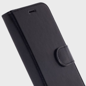 The Ekero Folio Wallet Cover from Krusell in black offers a classic prestige look for your Samsung Galaxy S7 Edge. A detachable front cover allows you to travel light while still shielding your phone from everyday knocks, drops and debris.