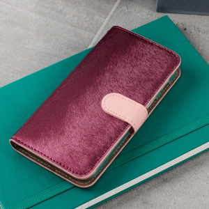 The Hansmare Calf Wallet Case in pink for the Samsung Galaxy A3 2017 provides exceptional protection in a slim and sleek package. The interior of the case features a genuine leather pocket with slots for your cards and document.