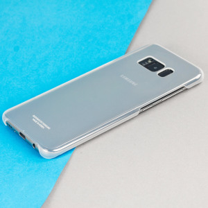 This Official Samsung Clear Cover in silver is the perfect accessory for your Galaxy S8 smartphone.