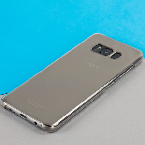 This Official Samsung Clear Cover in gold is the perfect accessory for your Galaxy S8 smartphone.