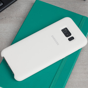 Protect your Samsung Galaxy S8 with this Official silicone case in white. Simple yet stylish, this case is the perfect accessory for your S8.