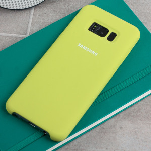 Protect your Samsung Galaxy S8 with this Official silicone case in green. Simple yet stylish, this case is the perfect accessory for your S8.