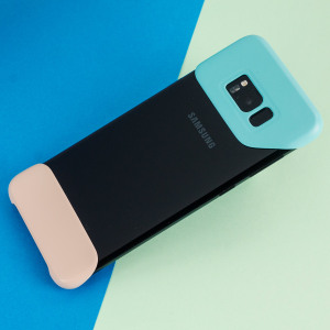 The official Pop Cover case for Samsung Galaxy S8 in mint green consists of two ergonomic, easy-to-attach geometric shapes which bookend your Galaxy S8, adding a unique style and offering superior drop protection.