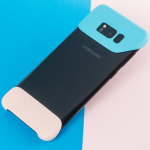 The official Pop Cover case for Samsung Galaxy S8 in blue consists of two ergonomic, easy-to-attach geometric shapes which bookend your Galaxy S8, adding a unique style and offering superior drop protection.