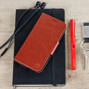 The Olixar leather-style Samsung Galaxy A5 2017 Wallet Case in brown provides enclosed protection and can also be used to hold your credit cards. The case also transforms into a viewing stand for added convenience.
