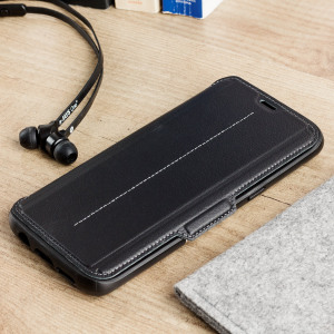 A sophisticated lightweight black genuine leather case, the OtterBox genuine leather wallet cover offers perfect protection for your Galaxy S8, as well as featuring slots for your cards, cash and documents.