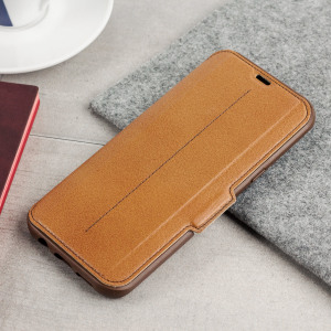 A sophisticated lightweight brown genuine leather case, the OtterBox genuine leather wallet cover offers perfect protection for your Galaxy S8 Plus, as well as featuring slots for your cards, cash and documents.