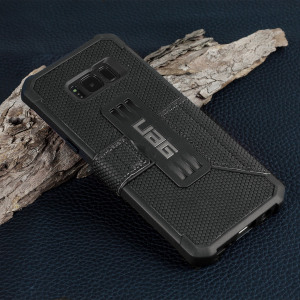 Equip your Samsung Galaxy S8 with extreme, military-grade protection and storage for cards with the Metropolis Rugged Wallet case in black from UAG. Impact and water resistant, this is the ideal way of protecting your phone and providing card storage.