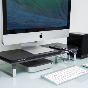 This stylish, ergonomic stand from Satechi is the ultimate accessory for your work station. Transform a single USB port on your laptop, PC or Mac into 4 identical sockets, as well as adding easily accessible 3.5mm headphone and microphone slots.