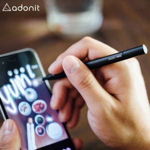 With a new ergonomic design, precision disc tip and convenient carrying clip, the Mini 3 stylus in black from Adonit is the perfect companion for amateur and professional touch screen artists on the move.