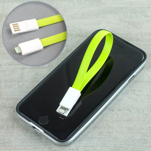 This green 22cm high performance magnetic data cable provides simultaneous synchronisation and charging for all Apple Lightning devices. The connectors clip together magnetically when not in use - ideal for storage and portability.