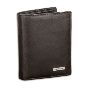 This suave, richly textured brown wallet from Samsonite is made from high-quality genuine nappa leather. With card slots and space for all your cash, as well as RFID protection to help stop wireless card fraud, this is a classic option for any situation.