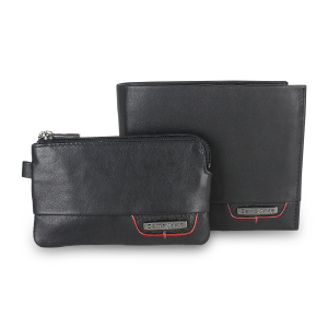 This suave, richly textured gift set from Samsonite consists of a stylish, practical wallet and a compact, elegant key pouch. Both of these items come with RFID fraud protection, keeping your data - and your vehicle - safe from prying criminal eyes.