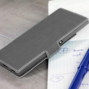 Protégez votre Sony Xperia XA1 Ultra avec cette housse à la taille fine qui se transforme en support de visionnage.