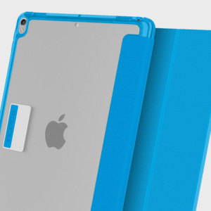 Protection meets finesse in this elegant, stylish blue folio case for iPad Pro 12.9 2017 / 2015 from Incipio. Combining a durable, resilient construction with an effortless aesthetic and a stand function, this is the perfect case for working or relaxing.