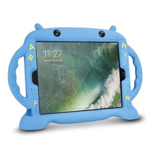 Laissez vos enfants s'amuser avec votre iPad Pro 10.5 qui sera protégé dans cette coque en silicone Big Softy de chez Olixar. Elle est extrêmement robuste, possède des coins renforcés anti chocs, et protégera au mieux votre appareil au quotidien.