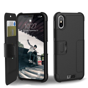 Equip your iPhone X with extreme, military-grade protection and storage for cards with the Metropolis Rugged Wallet case in black from UAG. Impact and water resistant this is the ideal way of protecting your phone and providing card storage.