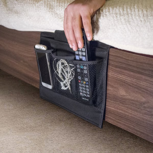 Save your home from the clutter by organising your newspapers, TV/AV remotes, tech and even your night time snacks with this 4 pocket bedside storage. Features a compact design with an easy set up process - just tuck underneath your bed mattress!