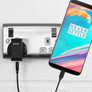 Charge your OnePlus 5T and any other USB device quickly and conveniently with this compatible 2.4A high power USB-C UK charging kit. Featuring a UK wall adapter and USB-C cable.