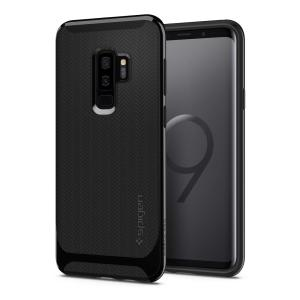 The Spigen Neo Hybrid in shiny black is the new leader in lightweight protective cases. Spigen's new Air Cushion Technology reduces the thickness of the case while providing optimal corner protection for your Samsung Galaxy S9 Plus.