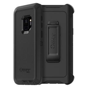 Med en design bestående av tre lager av skydd erbjuder det svarta skalet OtterBox Defender till Samsung Galaxy S9 ett enastående skydd.